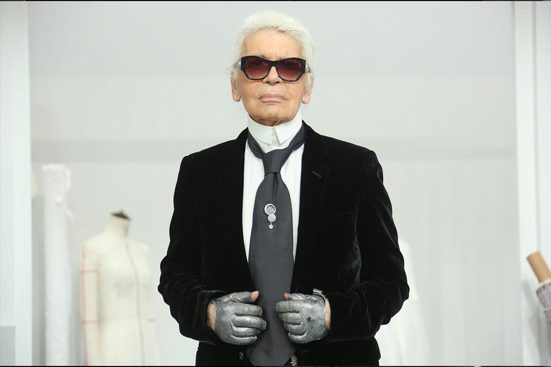 8bde7ac859c El secreto de por qué Karl Lagerfeld nunca se quitó sus lentes y guantes