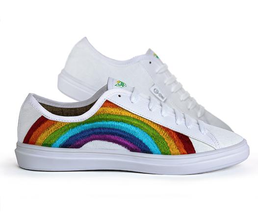 affcba6dfee62 Necesitas estos tenis para brillar el Gay Pride de la CDMX