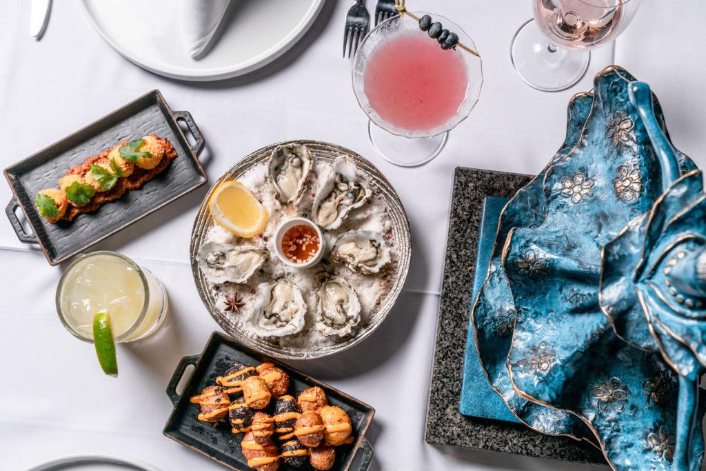 Disfruta de una cena inspiradora en Miami rodeado de cuadros de Dalí
