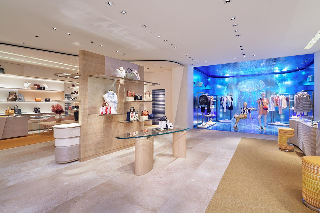 Inspirada en el reflejo del agua, así es la nueva tienda Louis Vuitton en Tokio
