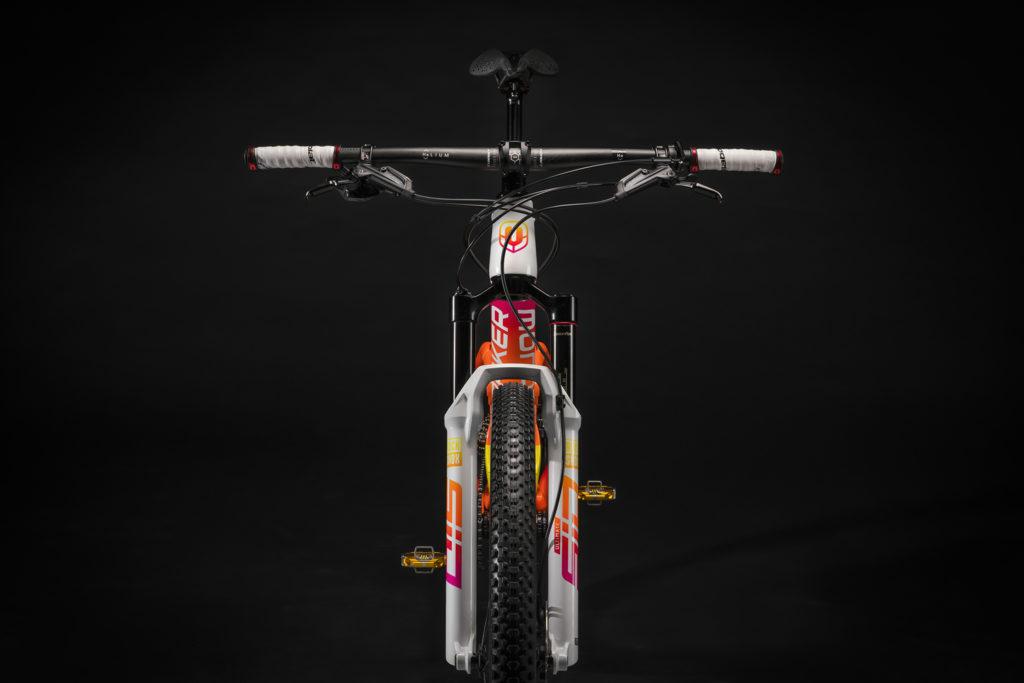 Rafael Nadal estrena una bicicleta Mondraker, única en el mundo, de casi 10 mil dólares